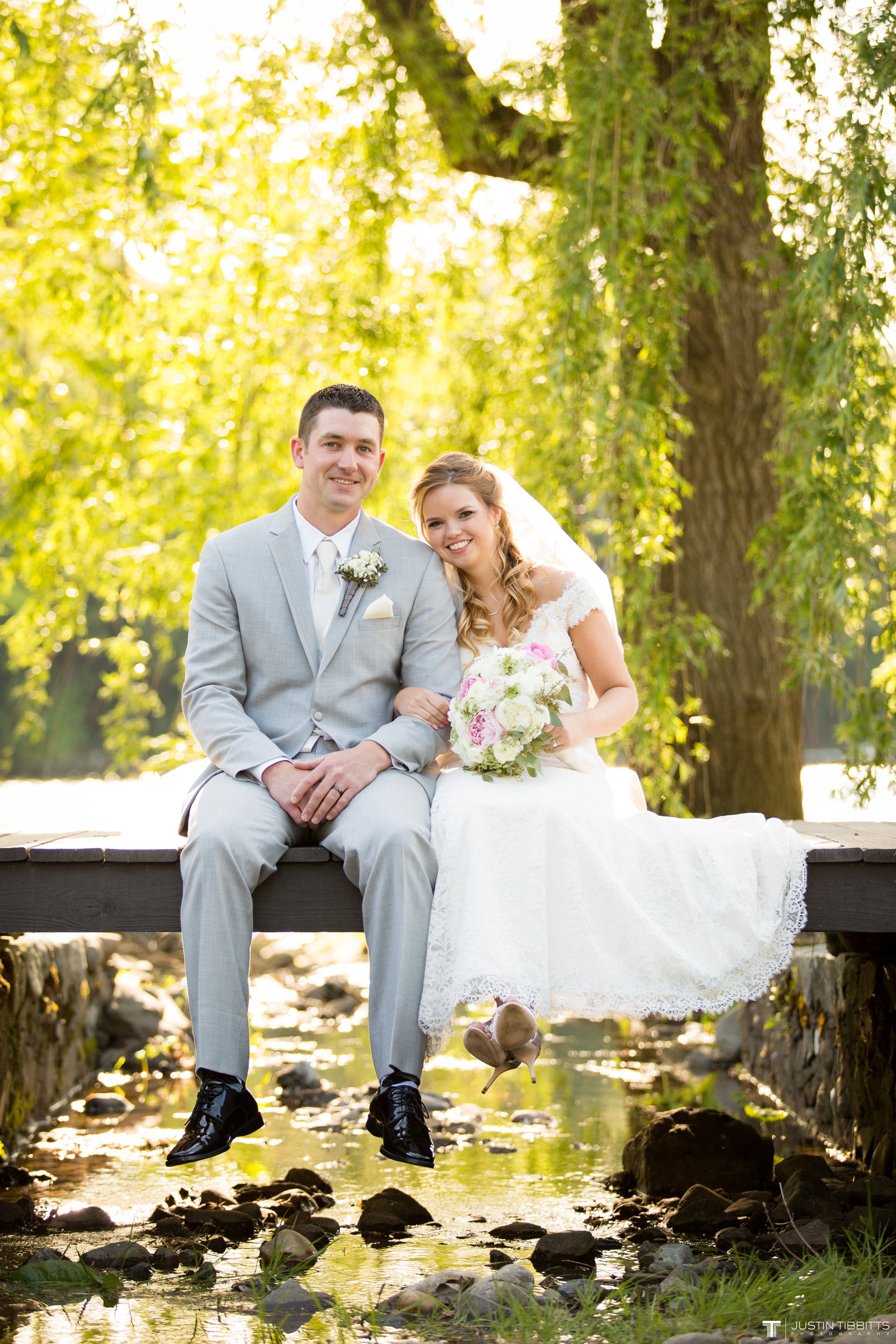 crooked-lake-house-wedding-photos-with-agata-and-seth_0080