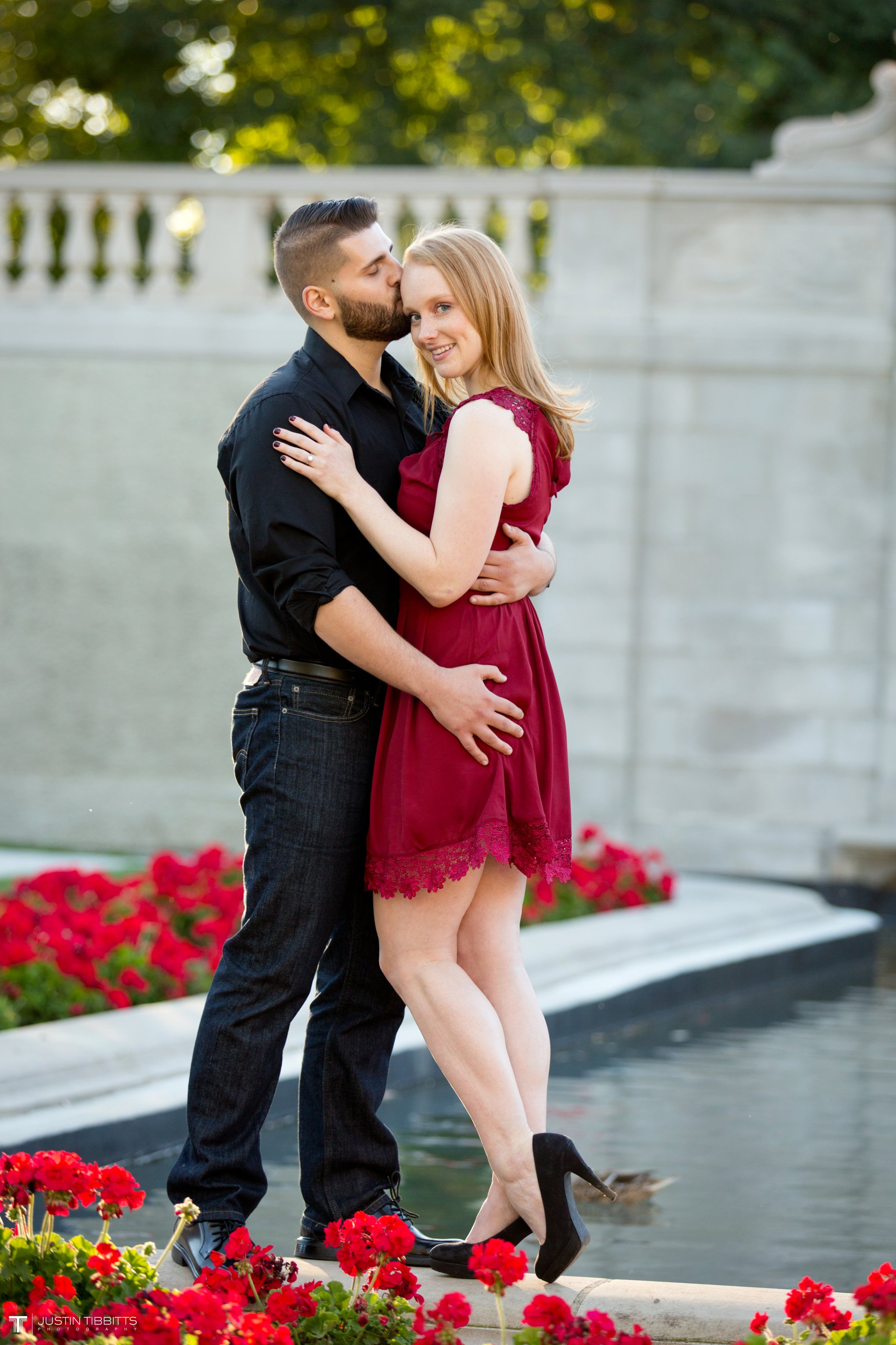 congress-park-saratoga-springs-engagement-photos-with-lauren-and-nick_0024
