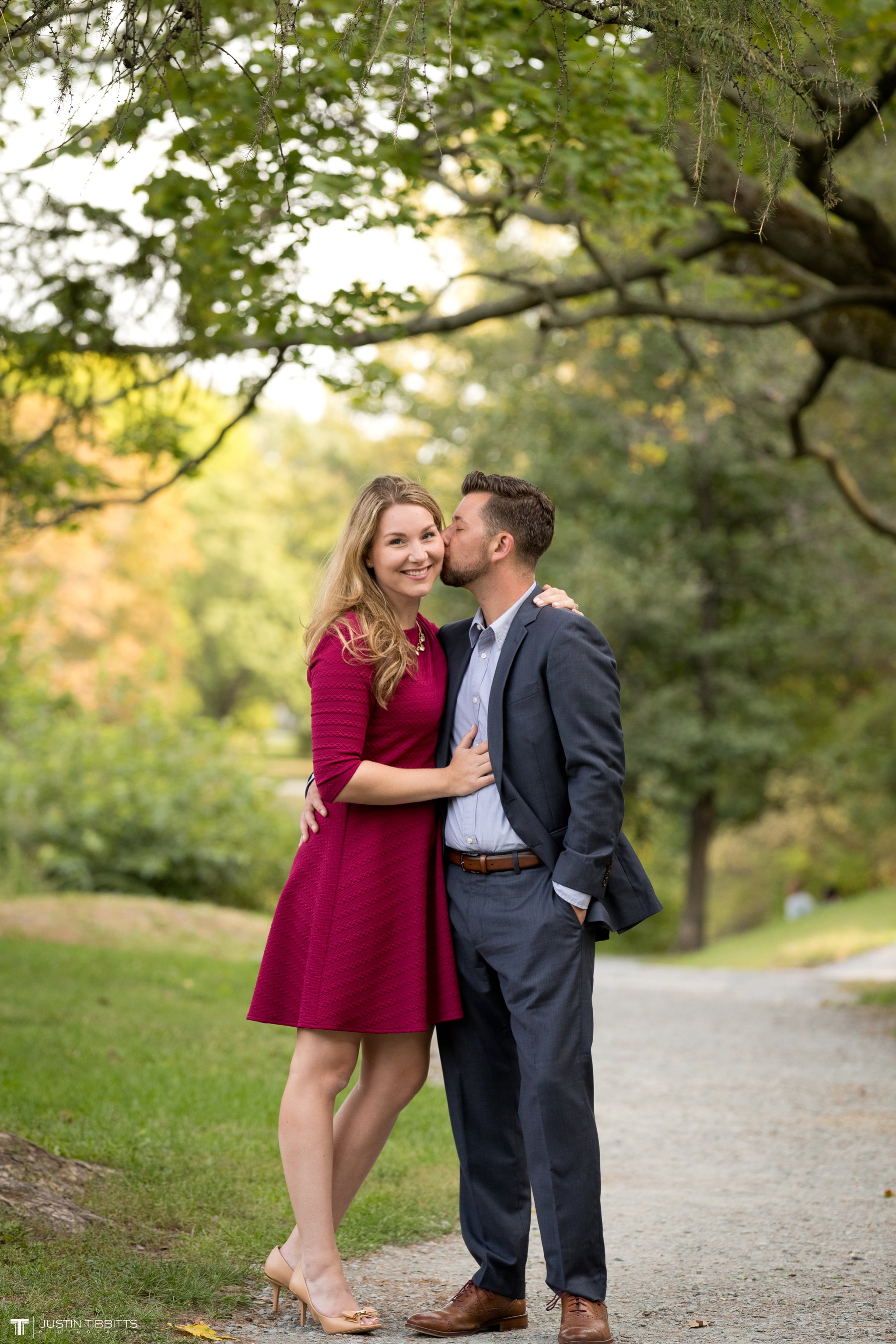 washington-park-albany-ny-engagement-photos-with-andrea-and-dan_0014