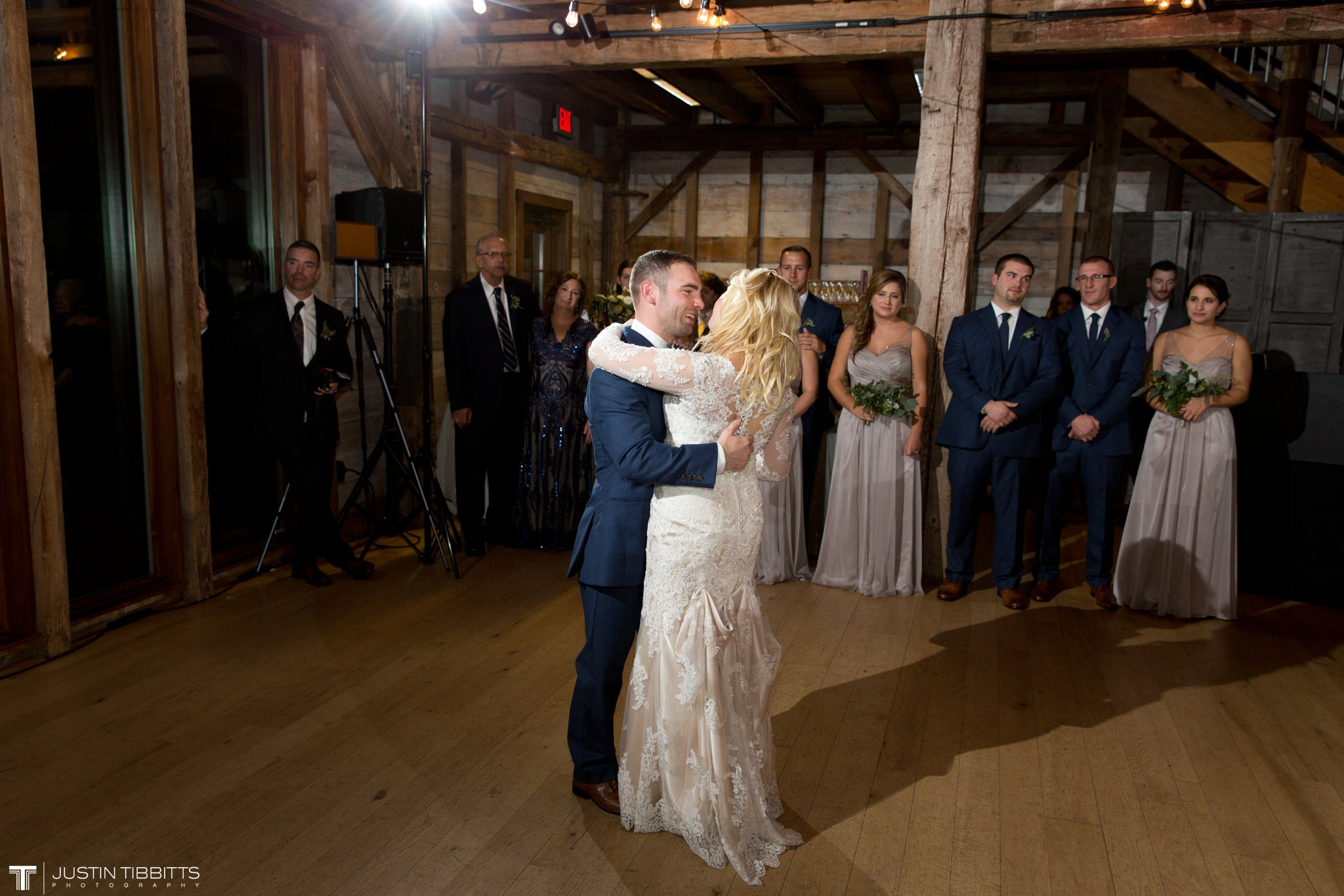 Pats Barn Wedding Photos with Kenzie and Zach_0077